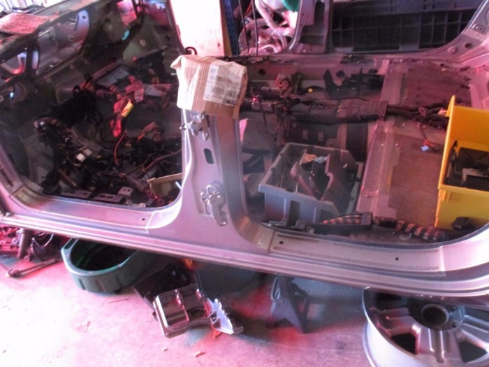 Bentley Continental Flying Spur left driver side b pillar rocker panel